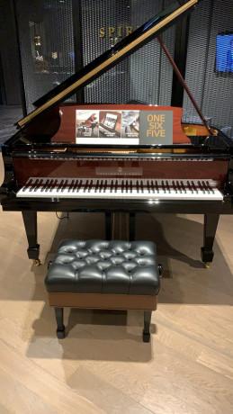 steinway-piano-big-0